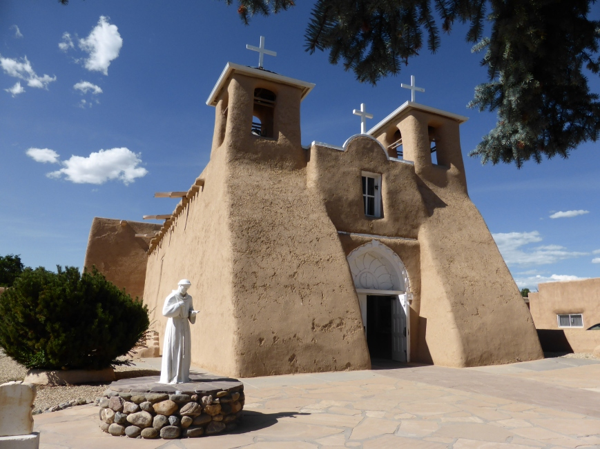 San Francisco de Assissi Mission Church in Rancho de Taos